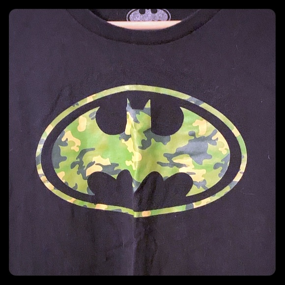 DC Comics Other - Batman camouflage logo T-shirt, 5XL